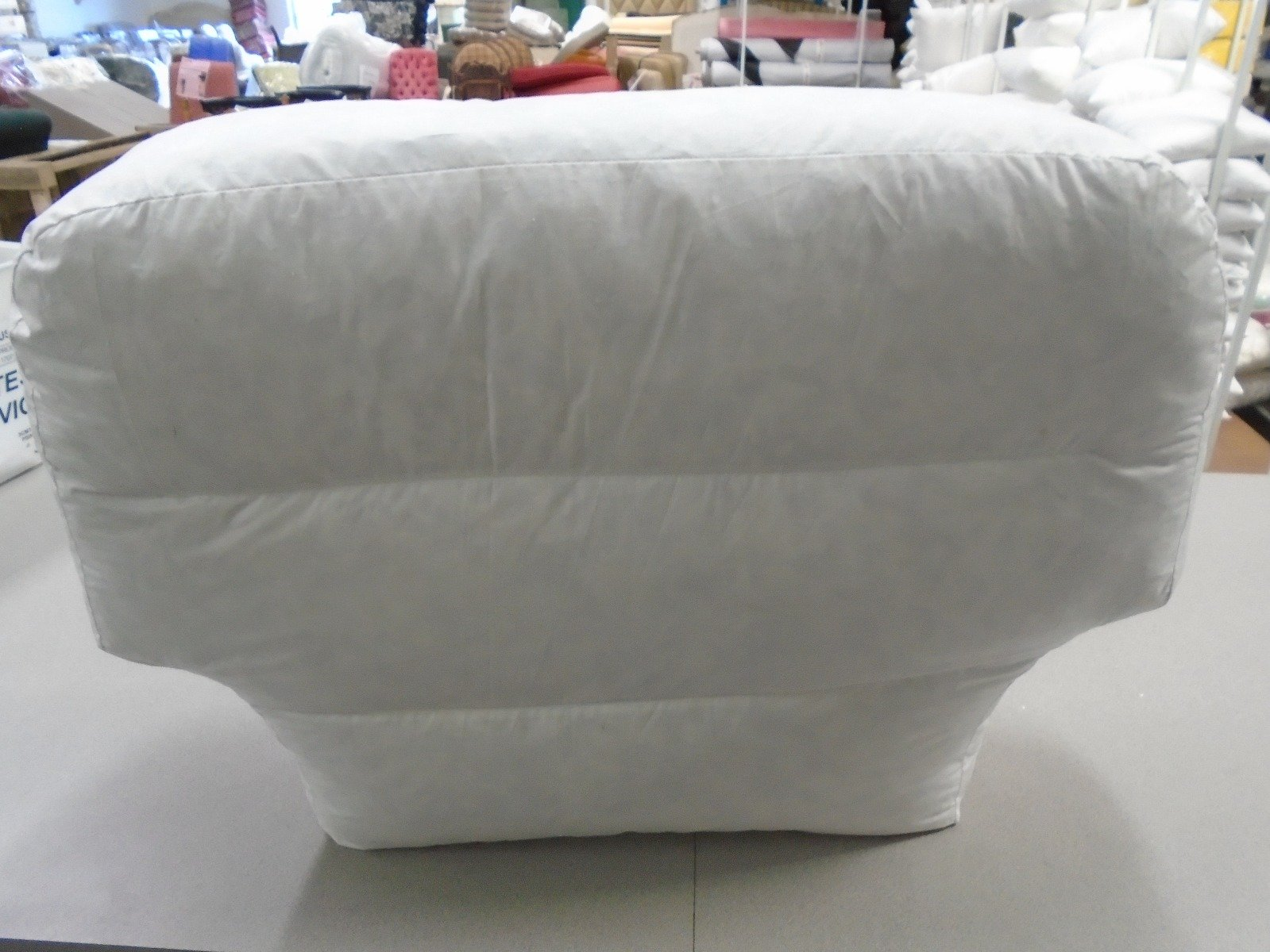 poly fill filling T- shape back cushion